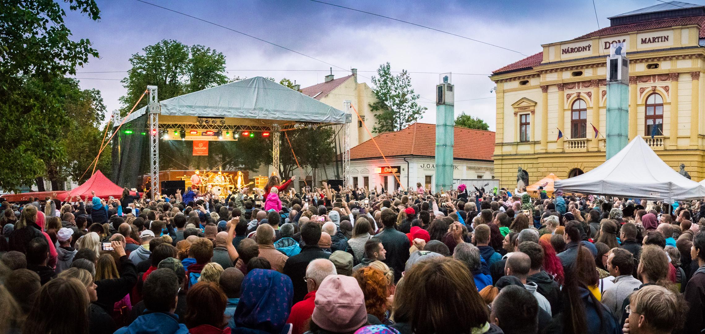 Horkýže Slíže - Divadelné námestie Martin